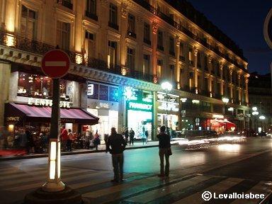 Paris 夜のオペラ座大通りdownsize