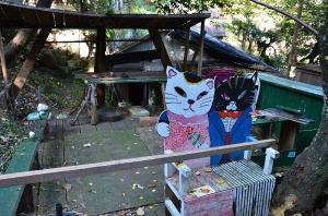アート?な猫のベンチ