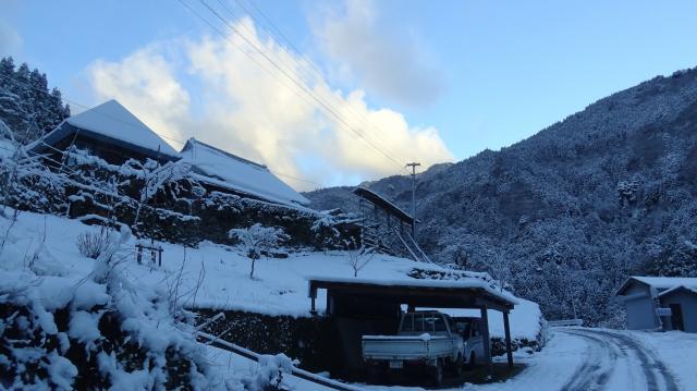 集落にも積雪が