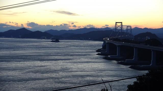 大鳴門橋の南側に渦はなし