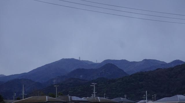 淡路島南部にそびえる諭鶴羽山