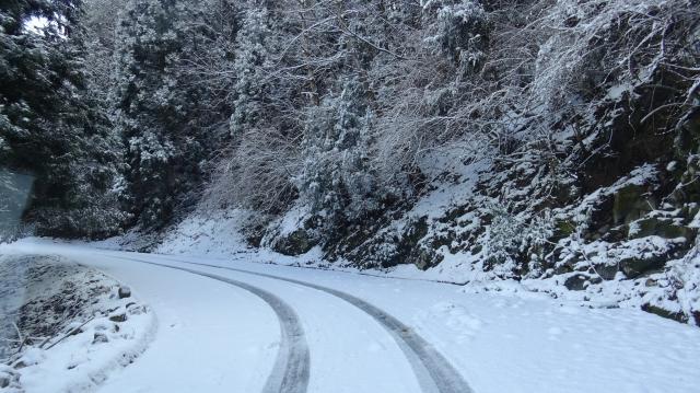 降雪から1日たったが、しっかりと雪が残る