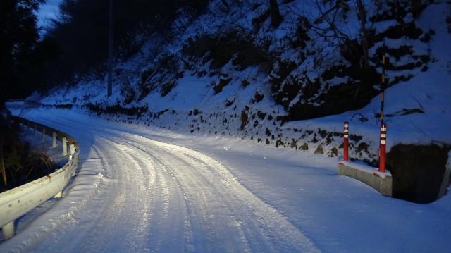一面の雪だが、積雪は5-10センチのレベル