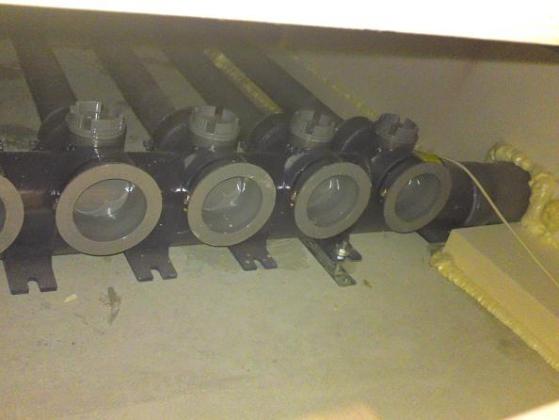 20120529002_床下の配管