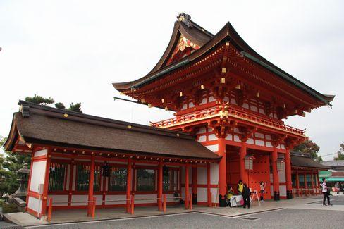 伏見稲荷大社・楼門(内側から)_H27.11.07撮影