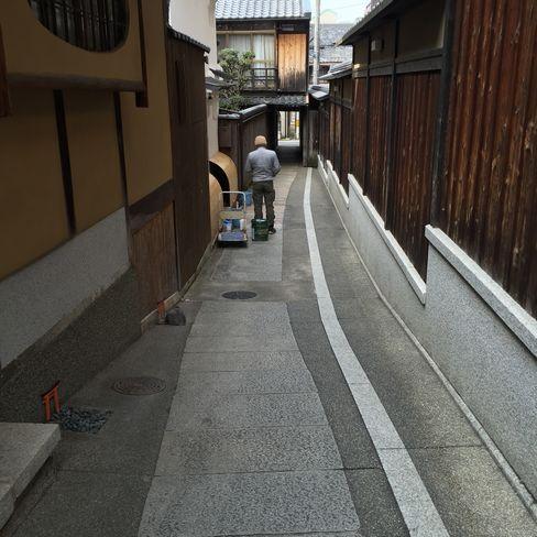 石塀小路の小便鳥居_H28.03.01撮影