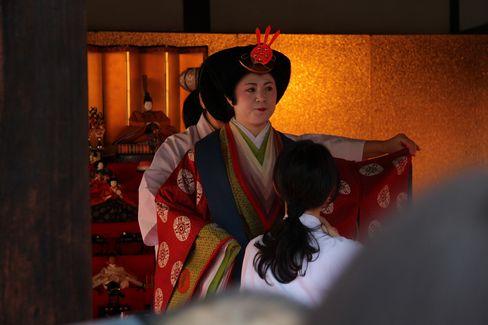 下鴨神社・十二単の着付け_H28.03.03撮影