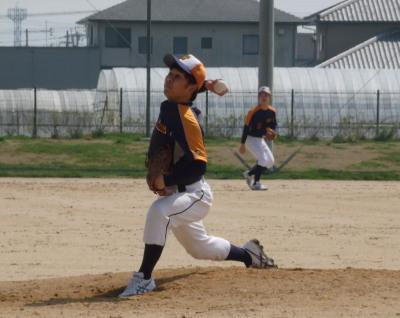 P3201986県庁球友先発高島投手
