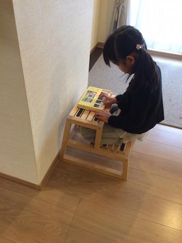 おもちゃピアノみはる