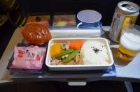 CI117機内食は豚生姜焼き160204