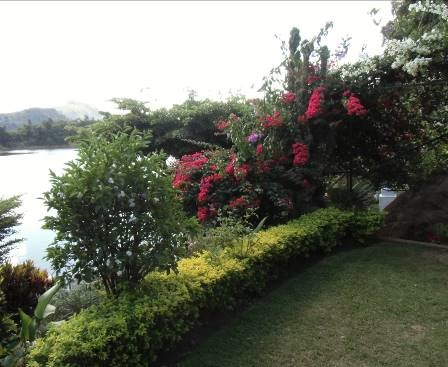 湖と花のある保養地マダガスカル(1)
