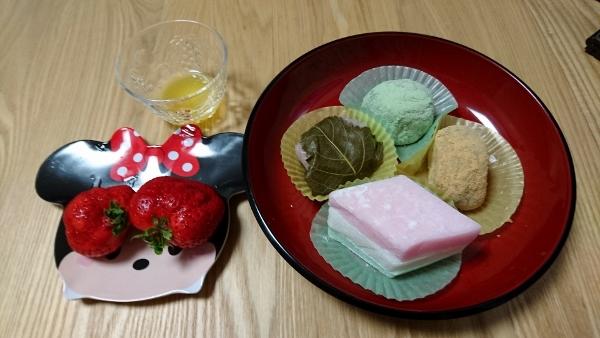 2016-3-3 自宅ひな祭り3 (600x338)