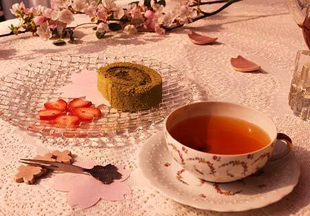 茶畑ロ-ル・さくらティ-