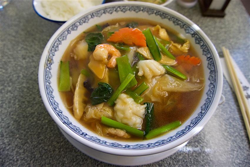 中華料理 竜華 カントン麺1