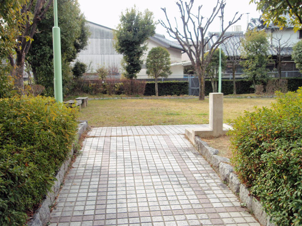 利倉一丁目第三児童遊園 (3)
