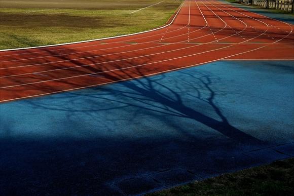 track-1_R.jpg