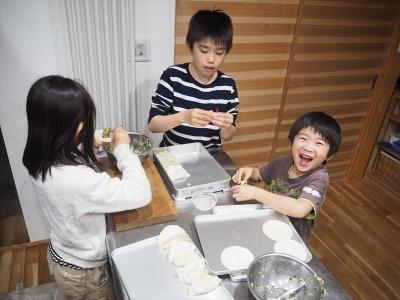 23餃子包み2_R