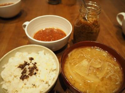18炒め味噌汁夕食_R
