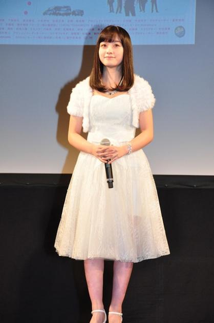 """橋本環奈が""""天使すぎる""""純白ドレスでゆうばり参戦!上映前から長蛇の列ができ500席の会場はあっという間に満席に1"""