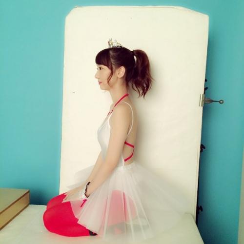 【AKB48】柏木由紀、胸の谷間全開のセクシーすぎるチュチュ姿を公開して話題に「天使すぎる」「ヤバいくらい可愛い」の声2