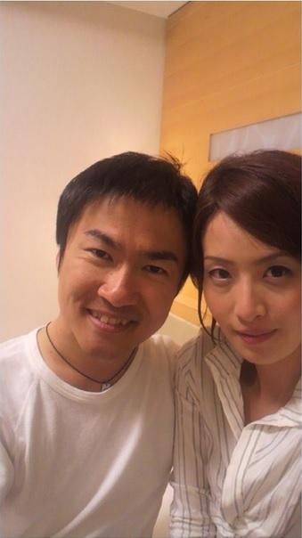 乙武洋匡の不倫写真が大量流出 美人女性とホテルらしき部屋でツーショット3