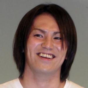"""狩野英孝""""事故""""続き・・・850万円高級車をガリッ!"""