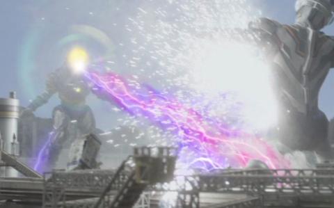グリーザ(第二形態) vs ウルトラマンエックス