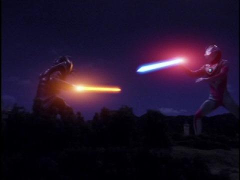ビゾーム vs ウルトラマンガイア(V2)
