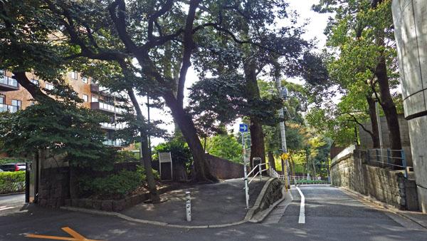目切坂上 目黒元富士の碑