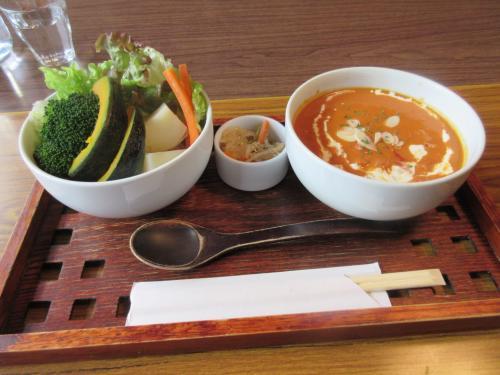 蒸し野菜とトマトチキンカレー