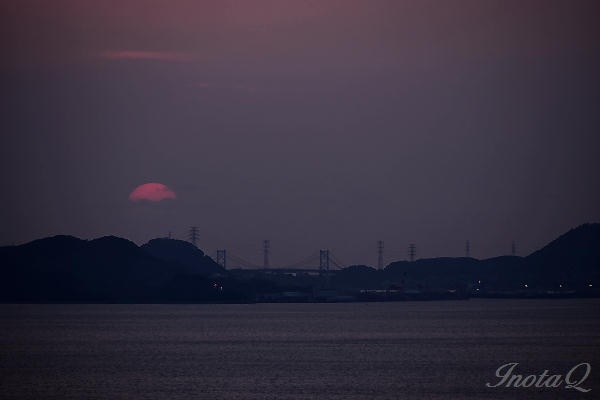 前日の関門と夕日02
