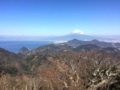 葛城山ロープウェイ駅からの富士