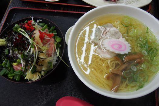 シナ蕎麦とネギトロ丼