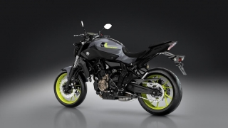 2016-Yamaha-MT-07-EU-Night-Fluo-VR360-019.jpg