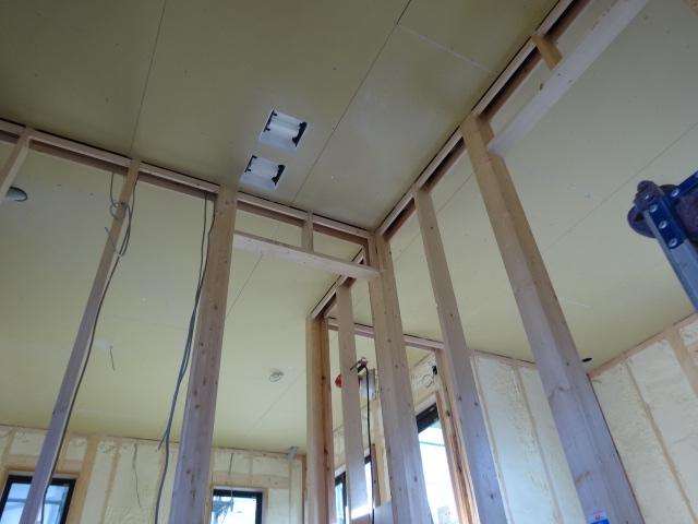 2階天井石膏ボード貼り