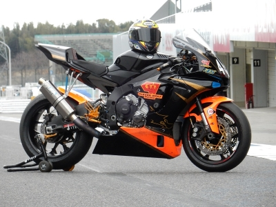 2016YZF-R1 レース用マフラー (4)