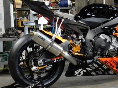 2016YZF-R1 レース用マフラー (5)