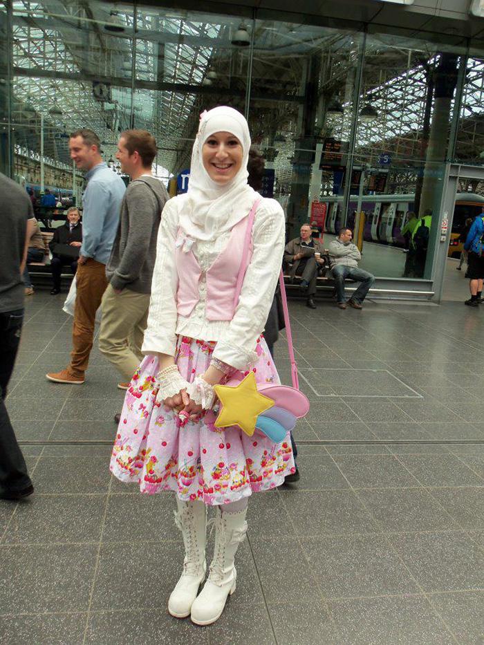 muslim-lolita-hijab-japanese-fashion-anime-24.jpg