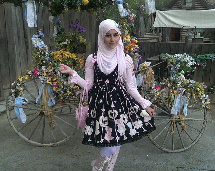 muslim-lolita-hijab-japanese-fashion-anime-38.jpg