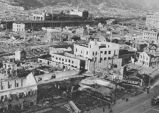 Kobe_after_the_1945_air_raid.jpg