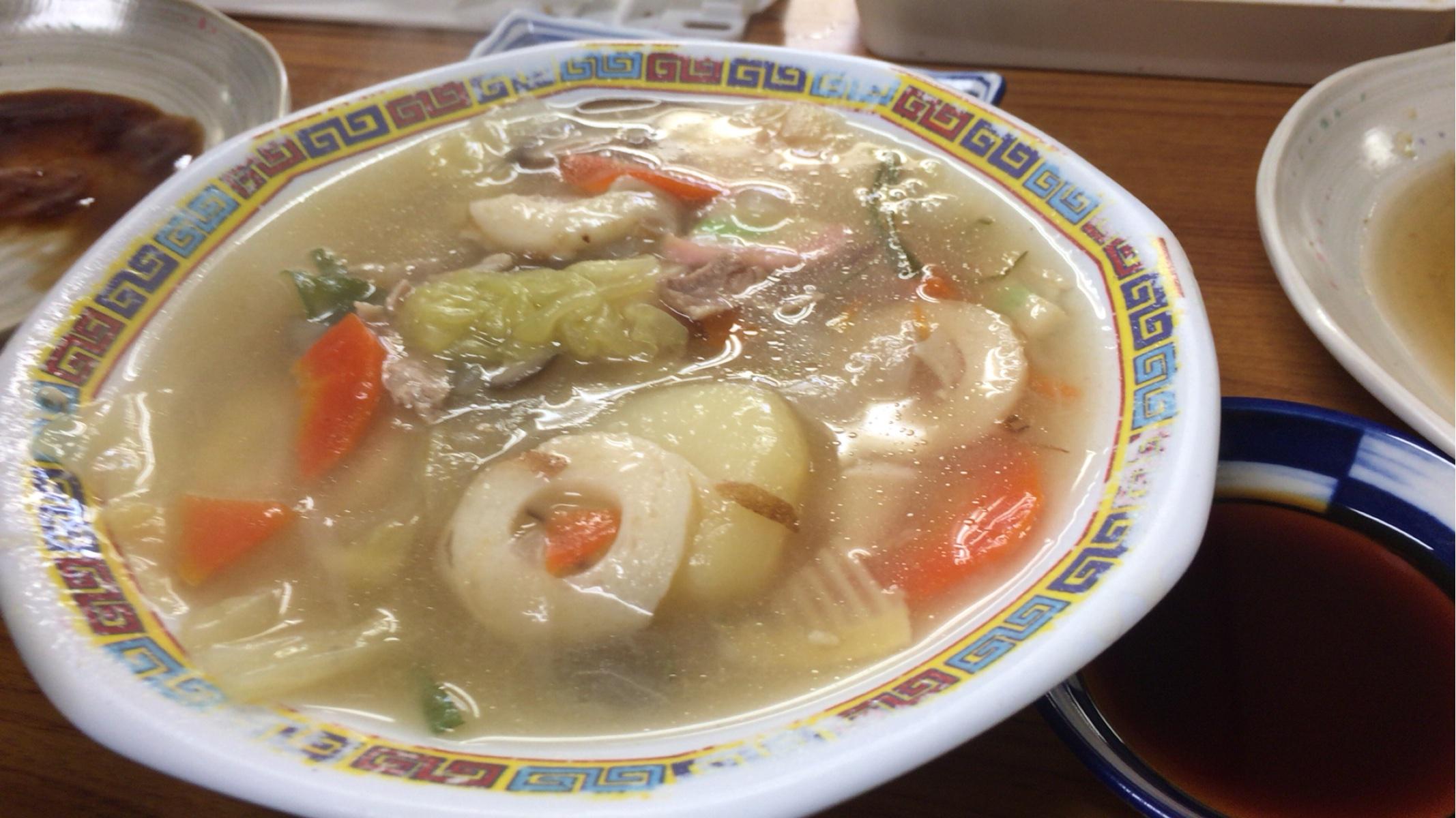 大阪新世界路地裏酒の穴名物八宝菜