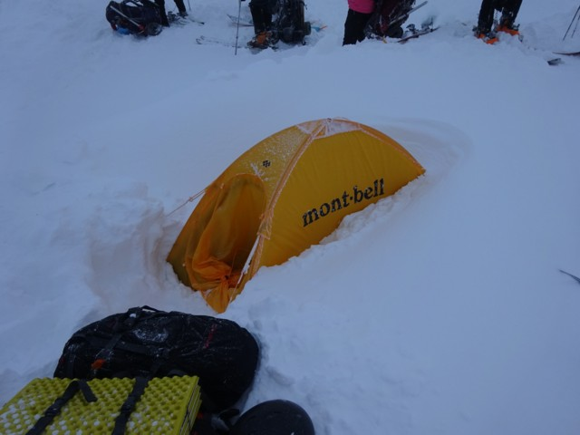 11月29日 テント半分くらい埋まってた