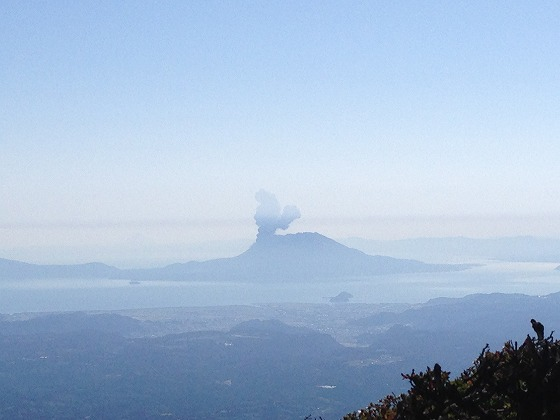韓国岳(39)‐頂上より桜島