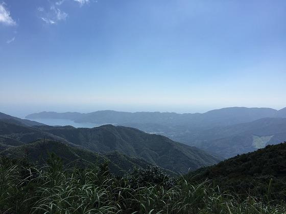 国見風車(7)-内之浦方面を眺める11:00