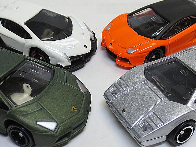 Tomica_Gift_Lamborghini_Set_36.jpg