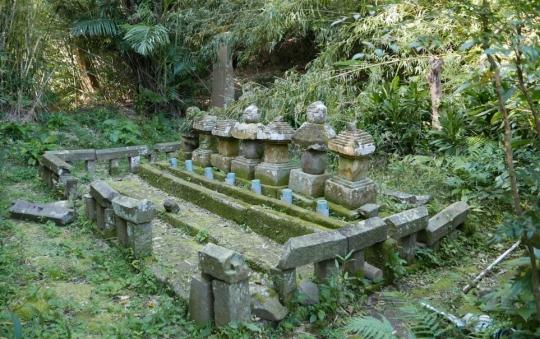 s-禰寝氏累代の墓 (17)