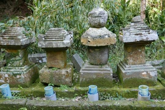 s-禰寝氏累代の墓 (26)