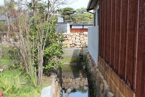 0071:家プロジェクト「南寺」 石垣のある水路②