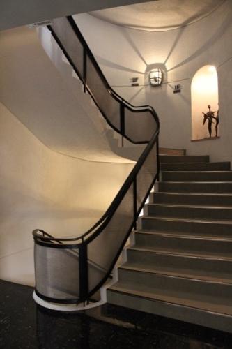 0075:渋谷区立松濤美術館 階段