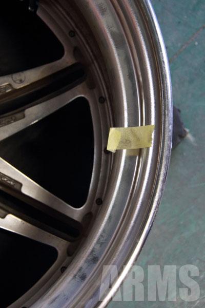 偏平率の低いタイヤ